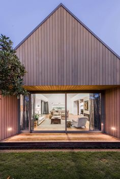 Good wood - another stunning abode, this time from Aussie firm Case Ornsby Design. The aptly named 'Andover Street' house can be found on, you guessed it, Andover Street in Christchurch, New Zealand. Cedar Cladding, Australian Architecture, Street House, Shed Homes, Modern Barn, Facade, Exterior, Mansions, Gallery