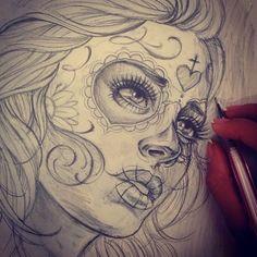 No photo description available. Skull Girl Tattoo, Girl Face Tattoo, Sugar Skull Tattoos, Tattoo Design Drawings, Tattoo Sketches, Drawing Sketches, Art Drawings, Chicano Art Tattoos, Chicano Drawings