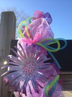 Mailbox Decor Topper: Deco Mesh garland for summer