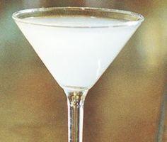 Hemingway special är en bedårande vacker vit drink av vit rom, grapefruktjuice och lime som du blandar ihop både snabbt och enkelt. Servera denna goda drink i martiniglas.