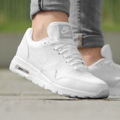 https://www.sooco.nl/nike-air-max-1-ultra-essential-witte-lage-sneakers-27674.html