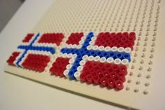 Bilderesultat for pynt Hama Beads Patterns, Beading Patterns, 17. Mai, Constitution Day, Holidays And Events, Barn, Diy, Spring, First Grade