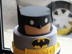 If not, then there are a number of Magnificent Birthday Cake Designs for Kids which would surely bring a smile on their face. Most of these ideas are basic and can even be prepared at home if you have that baking instinct activated inside you. Let us check out some superb birthday cake designs for little ones.