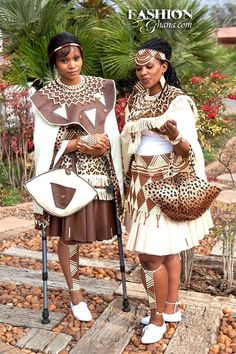 Fashion Zulu Traditional Attire, African Traditional Dresses, Traditional Outfits, Traditional Wedding, African Wedding Attire, African Attire, African Wear, African Dresses For Women, African Fashion Dresses