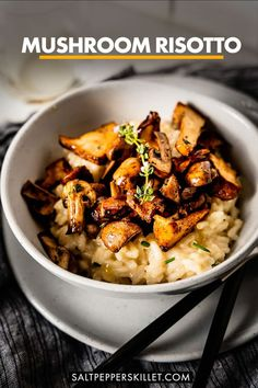 When a bowl of risotto is in front of you, you take a bite and another bite until suddenly it's all gone. The creamy, buttery satisfying richness fills you up and leaves you with a smile. Seafood Pasta Recipes, Yummy Pasta Recipes, Chicken Pasta Recipes, Healthy Pasta Dishes, Healthy Pastas, Rice Dishes, Creamy Mushrooms, Stuffed Mushrooms, Stuffed Peppers