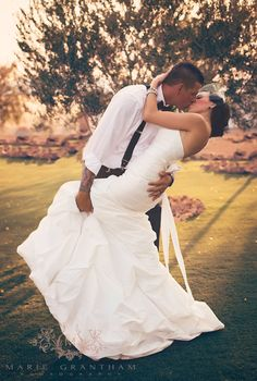 Cute Wedding Photo Ideas!  Photo Must Have