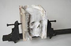 Sculpture Crâne livre