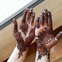 51 hands for beautiful Mylanchi designs - Mehndi designs - Henna Designs Hand Mehndi Designs Book, Mehndi Designs 2018, Mehndi Design Pictures, Modern Mehndi Designs, Mehndi Designs For Girls, Mehndi Designs For Beginners, Wedding Mehndi Designs, Beautiful Henna Designs, Dulhan Mehndi Designs