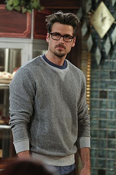 Johnny from 2 Broke Girls  He's a hottie!!