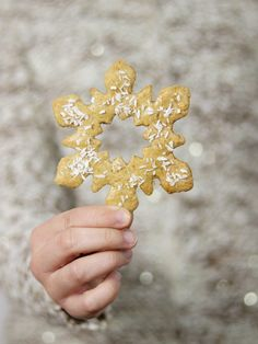 Christmas gingerbread star Christmas Gingerbread, Our Love, Stars, Recipes, Food, Essen, Sterne, Meals, Eten