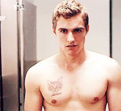 Pics and Gifs of Dave Franco. -throwback when i was a dave franco fan Dave Franco Shirtless, Shirtless Men, Adam's Apple, Gay, Hottest Male Celebrities, Sexy Gif, Celebrity Crush, Hot Guys, Boyfriend