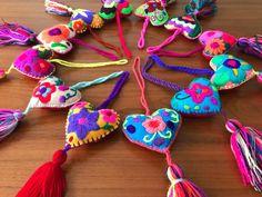 Un favorito personal de mi tienda de Etsy https://www.etsy.com/mx/listing/532385202/12-pack-felted-embroidered-5-hearts