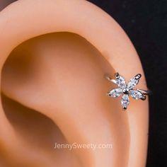 [ Materials ] - Surgical stainless steel - Zircon [ Measurement ] - Gauge: 20 G mm) - Inner diameter: earrings Sparkle Flower Zircon Helix Earring Cartilage Earring Rook Earring, Cartilage Earrings, Women's Earrings, Diamond Earrings, Cartilage Piercing Hoop, Helix Earrings Hoop, Silver Earrings, Double Cartilage, Piercings Rook