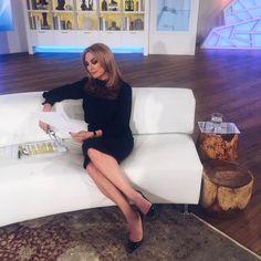 Tatiana Stefanidou Parallel legs