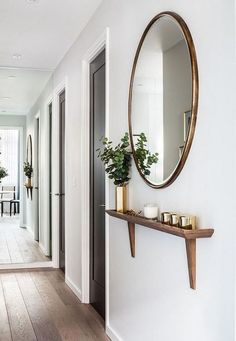 hallway decorating 781304235343108201 - Remarkable DIY Small Apartment Decoration Ideas … remarkable DIY small apartment decorating ideas Source by ajpetiannus Interior Design Living Room, Living Room Decor, Living Room With Mirror, Porch Interior, Scandinavian Interior Design, Interior Livingroom, Scandinavian Furniture, Diy Interior, Dining Room Design