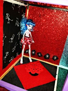 Just starting Ghoulia's Room not at close to done, but it's in PROGRESS!!!