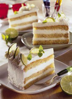 Mit der Limetten-Biskuit-Torte kommt der Frühling in den Backofen! Unser Rezept des Monats April ist da! http://www.ichliebebacken.de/rezeptebox/torten/limetten-biskuit-torte