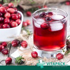 [TUDTAD?] A tőzegáfonya kivonata antioxidánsokban gazdag, és erősíti az immunrendszert. Alkalmazása elsősorban a felfázás megelőzése érdekében javasolható, mivel hatóanyagai megakadályozzák a kórokozó baktériumok kitapadását a húgyutak felületén. Drinks With Cranberry Juice, Cranberry Juice Benefits, Adrenal Cocktail, Herbal Cleanse, Vodka Lime, Lime Juice, Crack Slaw, Margarita Recipes, Recipes