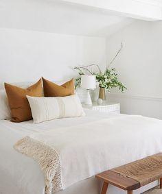 Clean Bedroom, Home Decor Bedroom, Bedroom Furniture, Bedroom Ideas, Diy Bedroom, Organized Bedroom, Bedroom Signs, Cabin Furniture, Western Furniture
