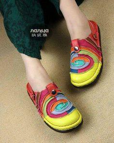 Sandalet.