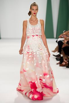 Carolina Herrera Spring 2015 Ready-to-Wear Fashion Show - Elena Bartels