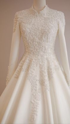 Muslimah Wedding Dress, Muslim Wedding Dresses, Dream Wedding Dresses, Malay Wedding Dress, Bridal Dresses, Dress Muslimah, Prom Dresses Long With Sleeves, Ball Dresses, Pretty Dresses
