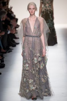 Valentino Fall 2014 Ready-to-Wear Collection Photos - Vogue