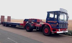 A tender vehicle for a veteran Vulcan lorry at the HCVS London to Brighton Run 2015 Vintage Trucks, Old Trucks, Classic Trucks, Classic Cars, Old Lorries, Heavy Machinery, Commercial Vehicle, Old Cars, Custom Cars