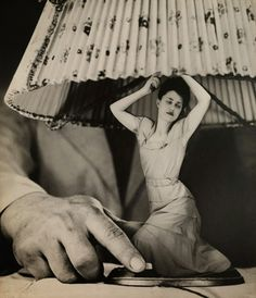 Exhibition: 'From Bauhaus to Buenos Aires: Grete Stern and Horacio Coppola' at the Museum of Modern Art (MoMA), New York Grete Stern, Photomontage, Bauhaus, Gerhard Rühm, Man Ray Photographie, Photoshop World, Photoshop Images, Pina Bausch, Cindy Sherman
