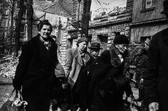 Überleben wollen sie alle | Zoom Fotoblog Der Reichstag, Berlin, World War, Museum, Mai, Fictional Characters, Hannover, Soviet Union, Russia