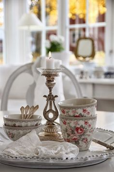 ♥ avec les tasses greengate ! http://www.lapetitemarchande.com/index.php?route=product/searchfilter_name=greengate%20tasse
