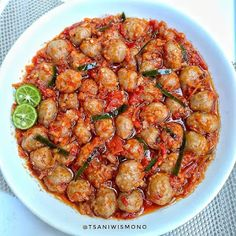 Image may contain: 1 person, food I Love Food, Good Food, Yummy Food, Easy Cooking, Cooking Recipes, Healthy Recipes, All U Can Eat, Mie Goreng, Malaysian Food