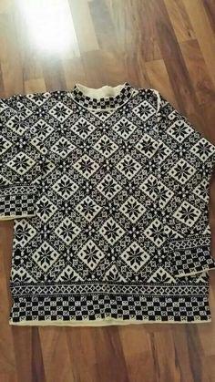 Skønt mønster Knitting Ideas, Knitting Projects, Knitting Sweaters, Fair Isle Knitting, Animal Print Rug, Stitches, Free Pattern, Knit Crochet, Textiles