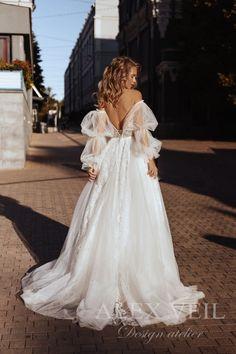Dream Wedding Dresses, Bridal Dresses, Wedding Gowns, Prom Dresses, Wedding Dress Shapes, Post Wedding, Lace Wedding, Wedding Ideas, Pretty Dresses