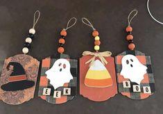 Dollar Tree Halloween Decor, Halloween Wood Crafts, Rustic Halloween, Halloween Favors, Halloween Door Decorations, Halloween Ornaments, Dollar Tree Crafts, Halloween Projects, Holidays Halloween