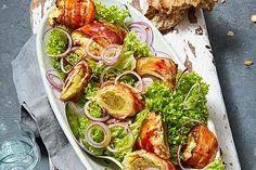 Wurstsalat von Monih | Chefkoch.de American Burgers, Clean Eating, Nasi Goreng, Low Carb Pizza, Pesto, Food Inspiration, Nutella, Zucchini, Spaghetti
