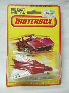 SWING WING JET  # 27 RED / WHITE  JET SET WINGS  MATCHBOX BY LESNEY 1980 1/64 - http://www.matchbox-lesney.com/33018