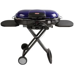 Perfect Flow Pressure Control System for steady heat, even in the cold Portable grill sets up in seconds East to transport, folds to compact size with large handle and wheels for easy pulling