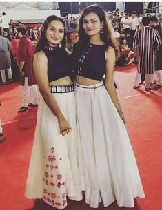 Simple Kurti Designs, Choli Designs, Fancy Blouse Designs, Stylish Dress Designs, Indian Bridesmaid Dresses, Indian Gowns Dresses, Indian Wedding Outfits, Garba Dress, Navratri Dress