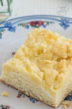Klassisch und trotzdem immer wieder lecker: mein einfacher Streuselkuchen vom Blech - schmeckt auch super als Streuselkuchen mit Kirschen, Äpfeln, Aprikosen oder Pflaumen | http://www.backenmachtgluecklich.de