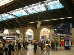 victoria station | File:Victoria Station Concourse.jpg