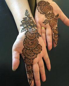Super Trendy & Beautiful Mehendi Designs For Bridesmaids Round Mehndi Design, Mehndi Designs Front Hand, Latest Arabic Mehndi Designs, Floral Henna Designs, Simple Arabic Mehndi Designs, Finger Henna Designs, Mehndi Designs For Beginners, Mehndi Designs For Girls, Mehndi Design Photos