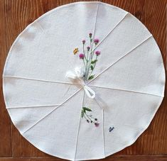 연잎다포 : 네이버 블로그 Embroidery Patterns, Hand Embroidery, Tea Cozy, Korean Traditional, Linen Bedding, Patches, Cross Stitch, Sewing, Holiday Decor