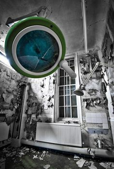 UK, Hanpshire, Aldershot, Cambridge Military Hospital - operating equipment is left inside. Once spotlessly clean and hygienic, vast operating theatres and wards have been left to decay Abandoned Asylums, Abandoned Places, Kempton Park, Abandoned Hospital, Old Buildings, Military History, State Art, Image Shows, Past