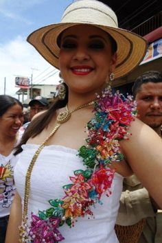 Miren esta belleza Panama Culture, Beaded Flowers, Old And New, Party Dress, African, Couture, Clothes, Beautiful, Dresses