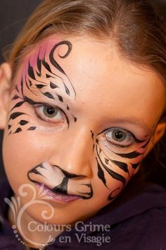 Pretty linework on this tiger! #facepaint #facepainter #tiger