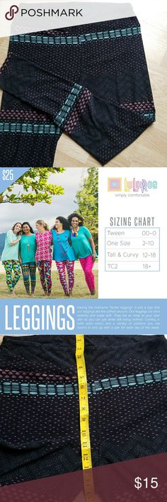 LuLaRoe zigzag and dotted printed leggings They feel amazing! No rips, tears or holes.  7th image shows signs of material wear. See size chart and pictures above. LuLaRoe Pants Leggings