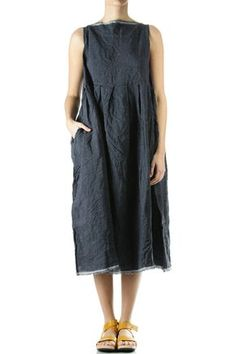 Looks like some rectangles put together with pleats - awesome & pretty Mode Chic, Mode Style, Linen Dresses, Day Dresses, Sewing Clothes, Diy Clothes, Boho Fashion, Fashion Outfits, Womens Fashion