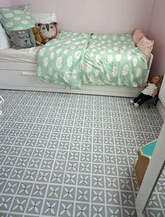 Girls bedroom makeover - Harvey Maria luxury vinyl tiles in Dee Hardwicke's Pebble Grey for Amanda Cottingham of The Ana Mum Diary.