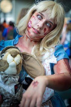 Zombie Alicia Cosplay